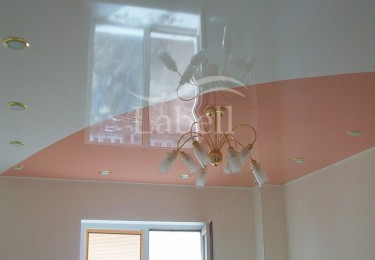 Спайка натяжного потолка