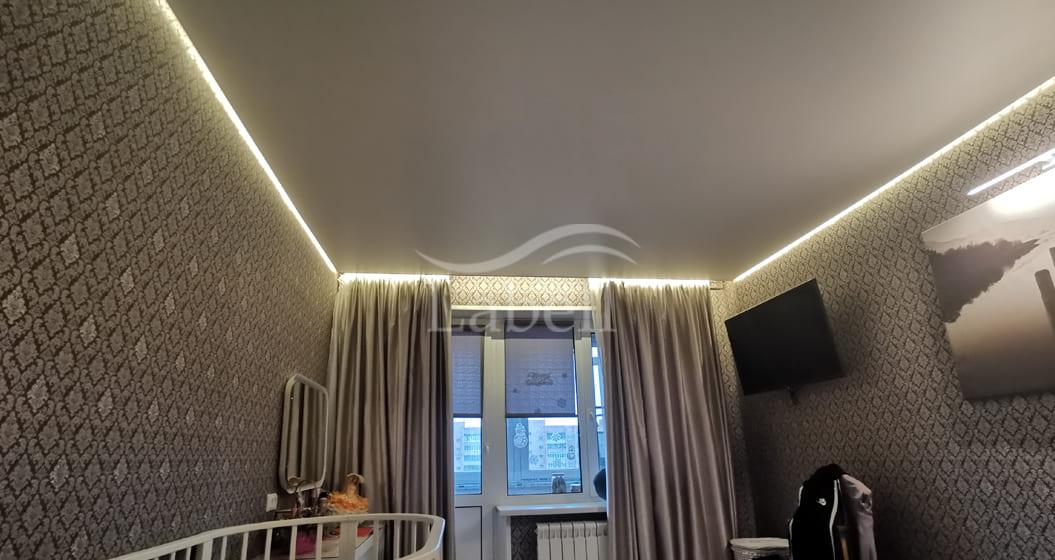 Натяжной парящий потолок фото